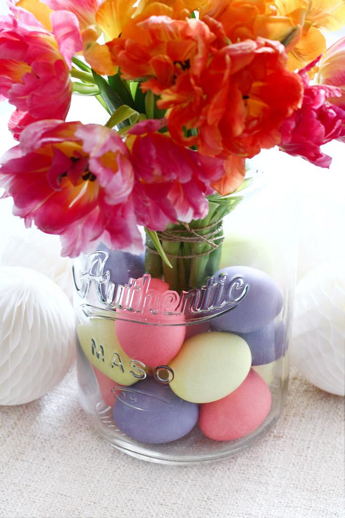 Maison Jar mit Blumen dekorieren im Pinterest Look